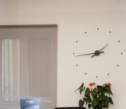 bancone in corian e rame - orologio a muro