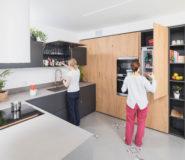 Cucina moderna con ante impiallacciate legno